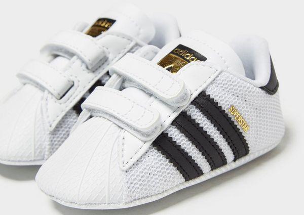 4fcbc36ff adidas Originals Superstar Crib para bebé