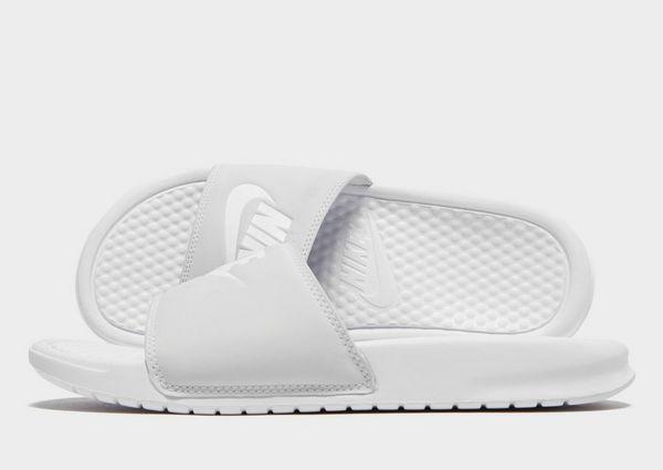 8cb1c12497d9 Nike sandalias Benassi para mujer   JD Sports