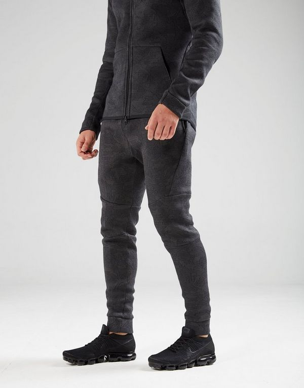 262a23c71a2b0 Nike Tech Fleece Joggers | JD Sports