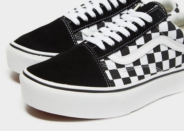 Shop den Vans Old Skool Platform Damen in Schwarz | JD Sports