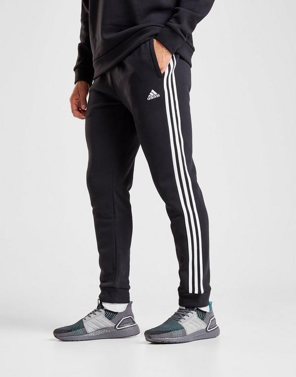 jogging adidas ouvert sur les côtés