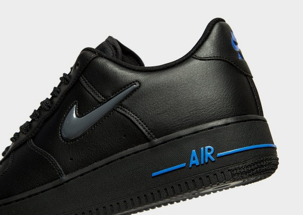 Acquista Nike Air Force 1 Essential Jewel in Nero | JD Sports