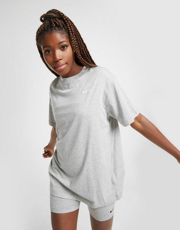 Nike Essential Boyfriend T-Shirt Damen