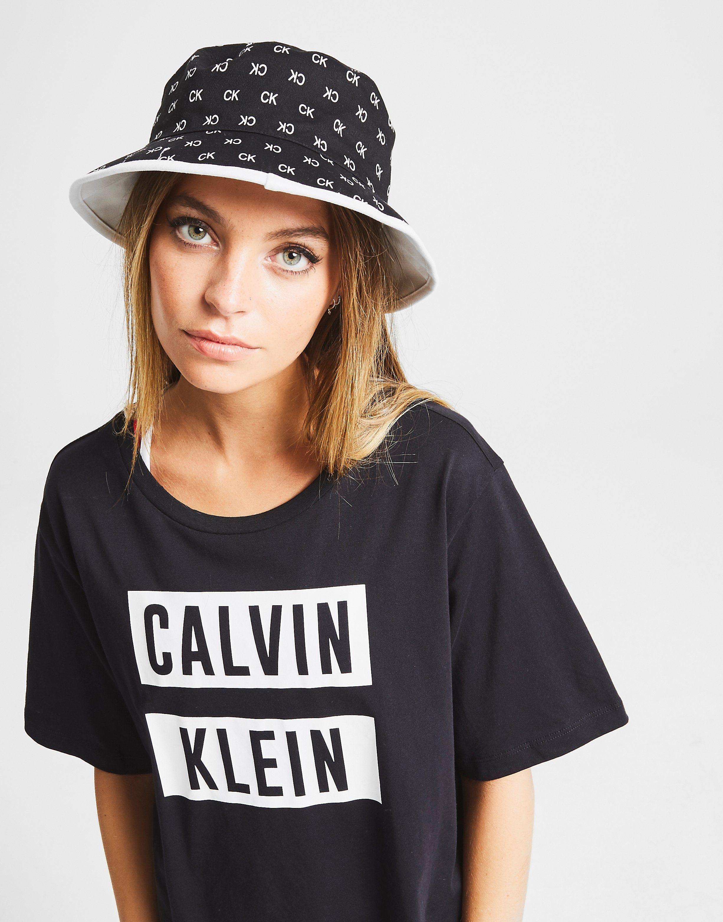 d738525c Calvin Klein Reversible Bucket Hat | JD Sports