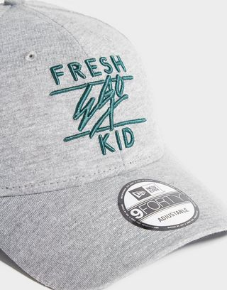 New Era x Fresh Ego Kid 9FORTY Cappellino