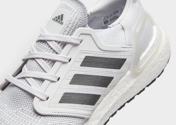 Adidas Ultra Boost argentato