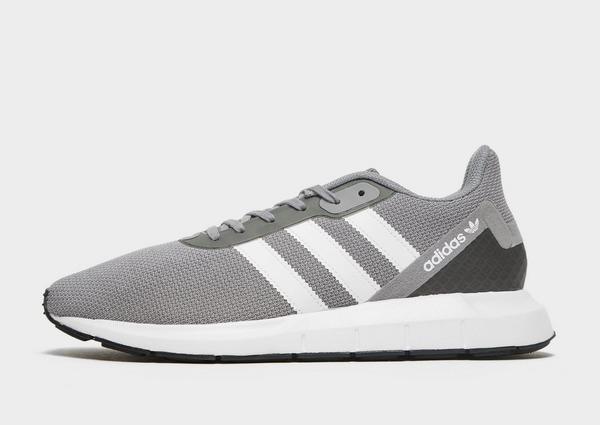 Acheter Noir adidas Originals Swift Run 2.0 Homme | JD Sports