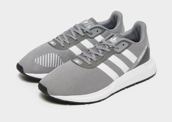 Køb adidas Originals Swift Run 2.0 Herre i Sort | JD Sports