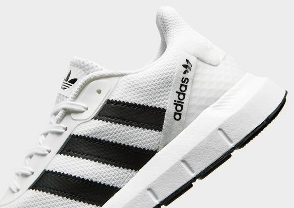 Shoppa adidas Originals Swift Run 2.0 Herr i en Vit färg