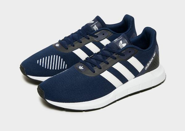 Shop den adidas Originals Swift Run 2.0 Herren in Blau | JD