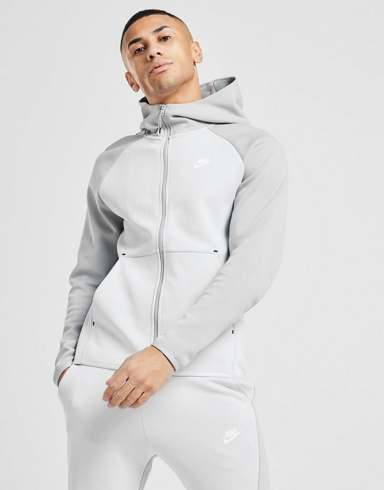Acquista Nike Tech Fleece Windrunner Hoodie in Bianco | JD