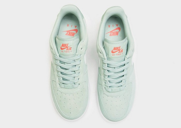 Acquista Nike Air Force 1 '07 LV8 Donna in Verde