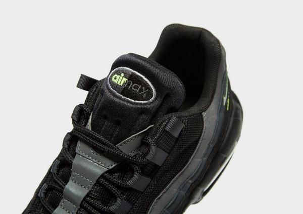 Shoppa Nike Air Max 95 Herr i en Svart färg   JD Sports Sverige