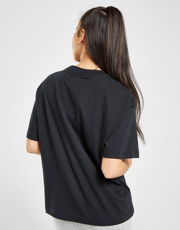 Nike camiseta Essential Logo Boyfriend