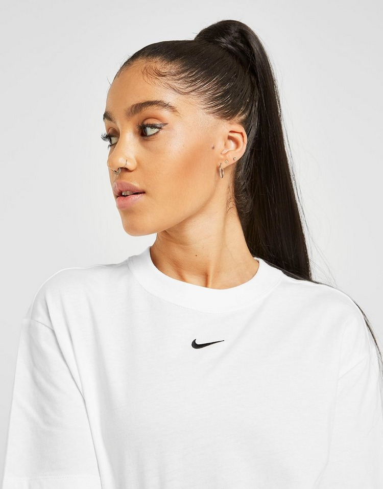 Nike Essential Logo Boyfriend T-Shirt Women's