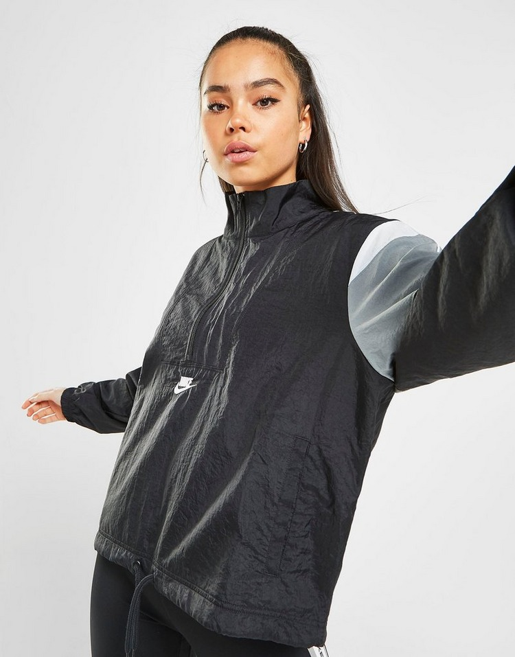 Shoppa Nike Heritage Woven Jacket i en Svart färg | JD