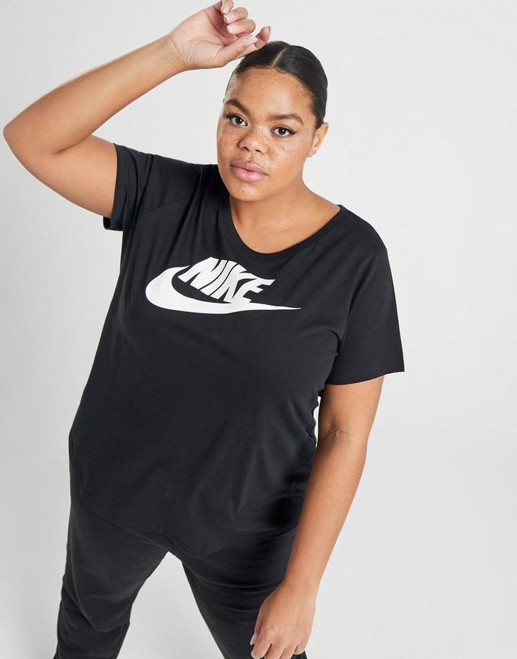 Nike Essential Futura Plus Size T-Shirt
