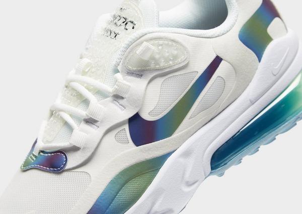 Shoppa Nike Air Max 270 React Junior i en Vit färg | JD