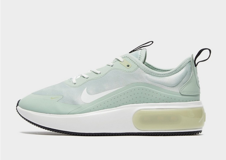 Why Every Influencer Is Wearing Nike Air Max 1 Trainers