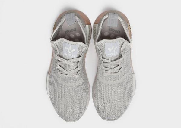 Shoppa adidas Originals Ozweego Dam i en Grå färg