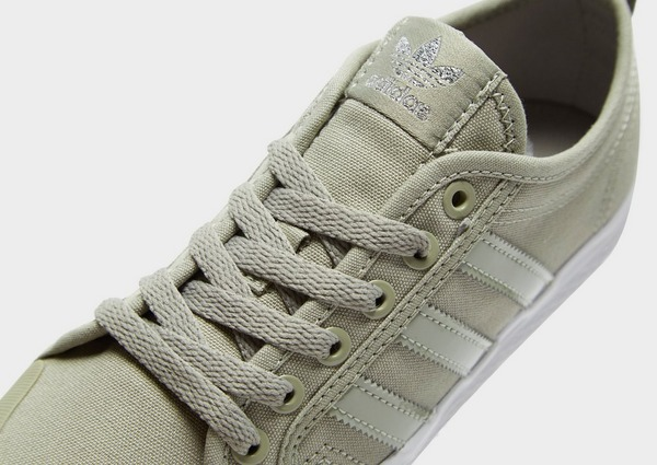 Shoppa adidas Originals Honey Lo Dam i en Grå färg | JD