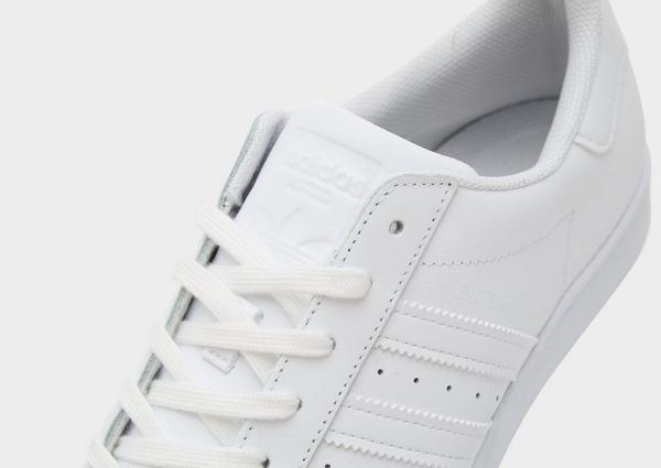 Shoppa adidas Originals Superstar Herr i en Vit färg   JD