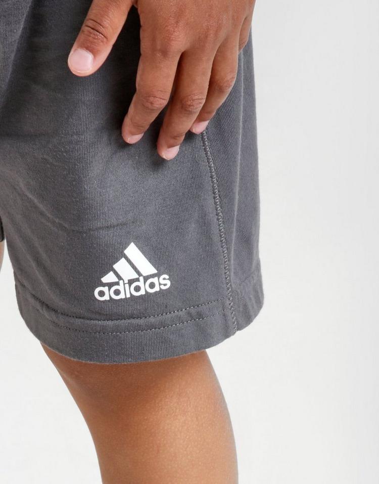 adidas conjunto camiseta/pantalón corto Badge of Sport para bebé