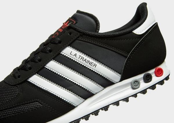 Acquista adidas Originals LA Trainer in Nero