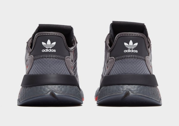 Shoppa adidas Originals Nite Jogger Herr i en Grå färg | JD