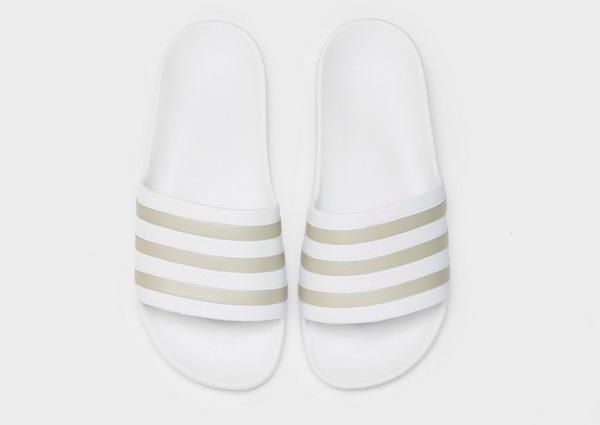Compra adidas chanclas Adilette Aqua para mujer en Blanco ...