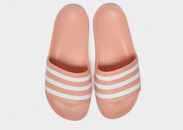 Shoppa adidas Adilette Aqua Tofflor Dam i en Rosa färg   JD