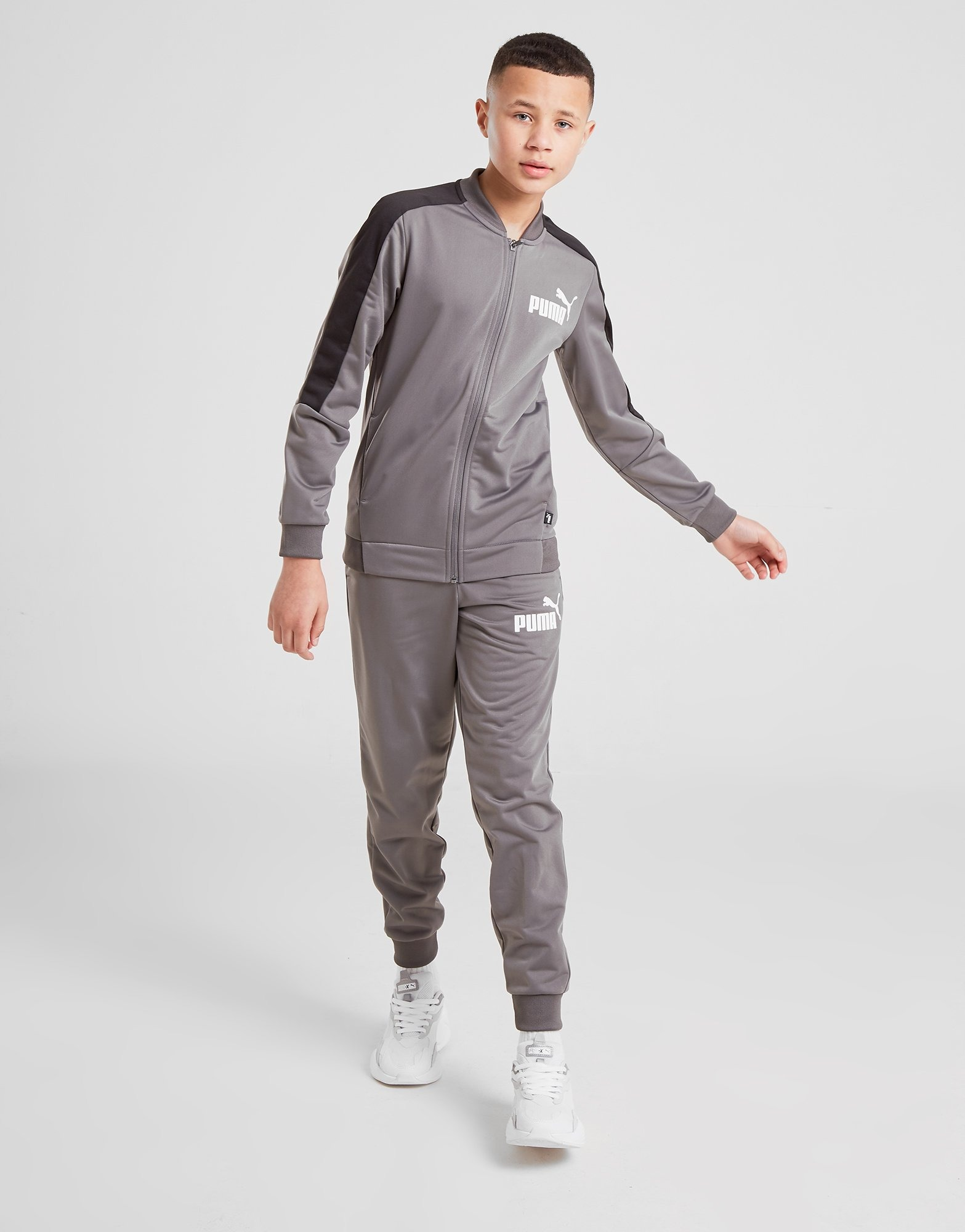 Shop den PUMA Poly Trainingsanzug Kinder in Grey | JD Sports