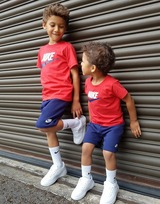 Nike conjunto camiseta/pantalón corto Colour Block para bebé