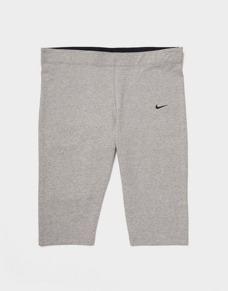 Nike Core Plus Size 3/4 Shorts