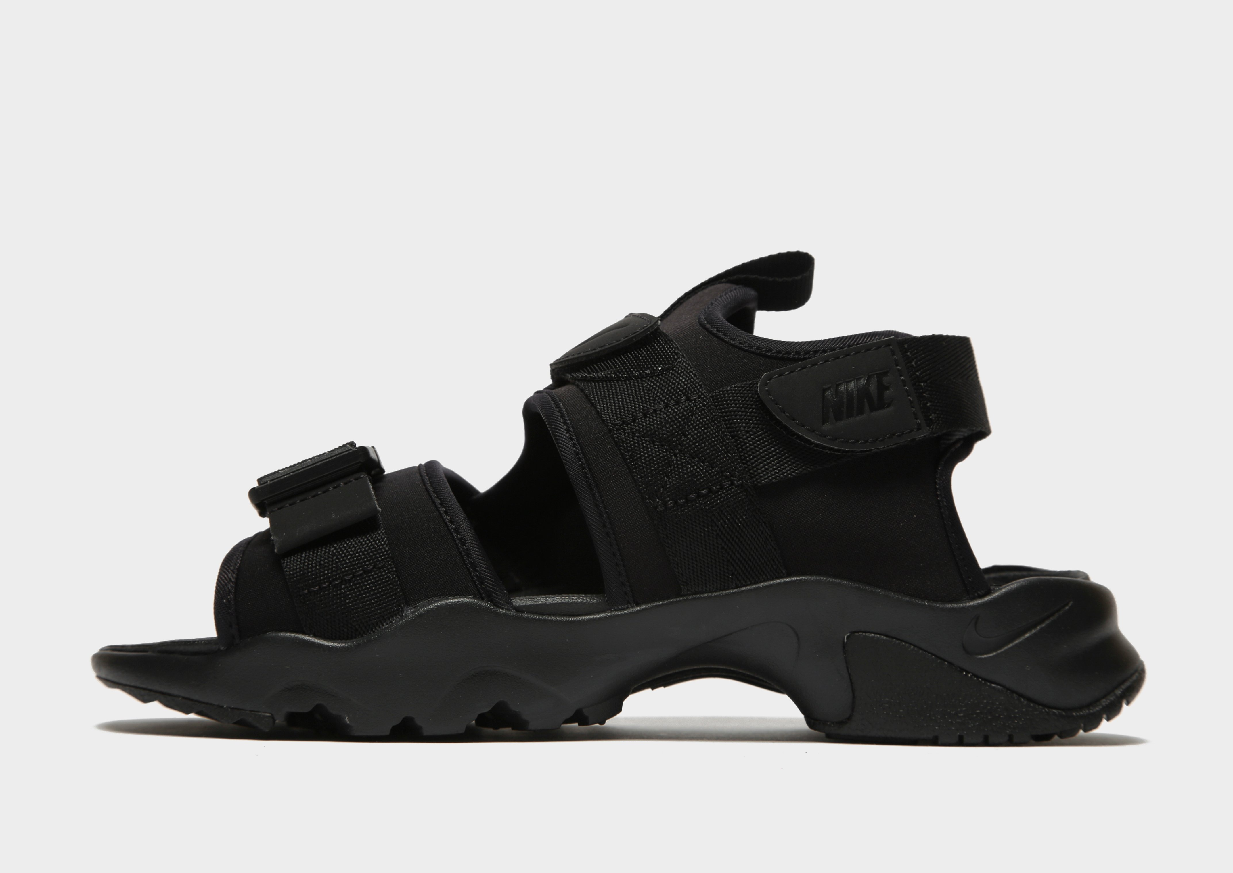 Still in JD sports boys Nike sandals trainers 9.5 Sedgley