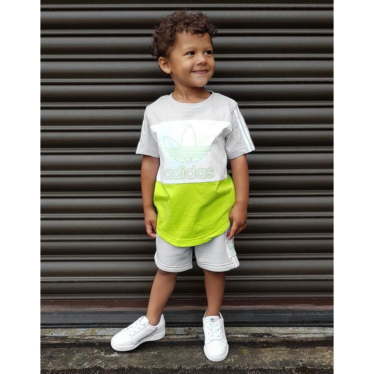 adidas Originals conjunto camiseta/shorts Spirit para bebé