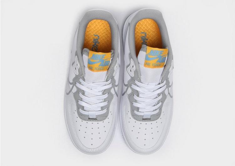 Compra Nike Air Force 1 React para Júnior em Branco | JD Sports