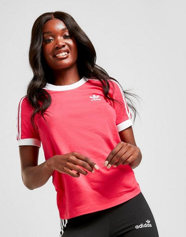 Shoppa adidas Originals 3 Stripes California T Shirt i en
