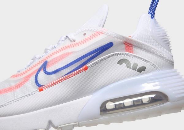 Shoppa Nike Air Max 2090 Dam i en Vit färg | JD Sports Sverige
