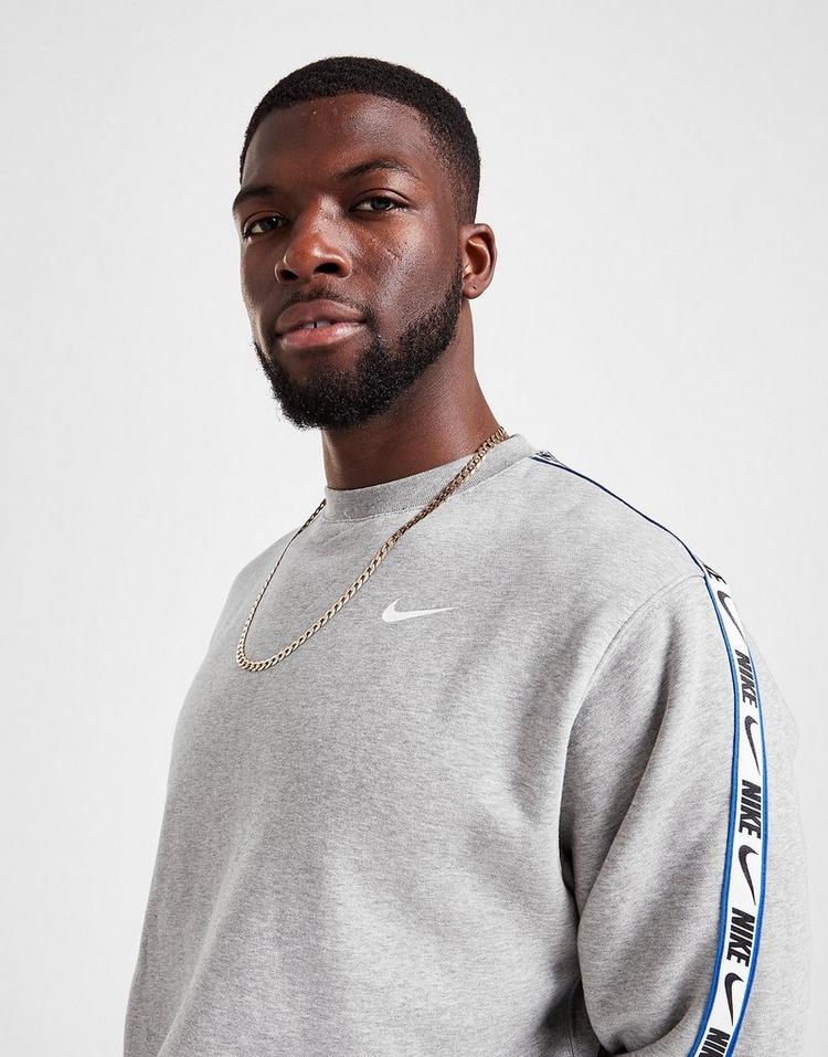 Nike Repeat Logo Crew Sweatshirt
