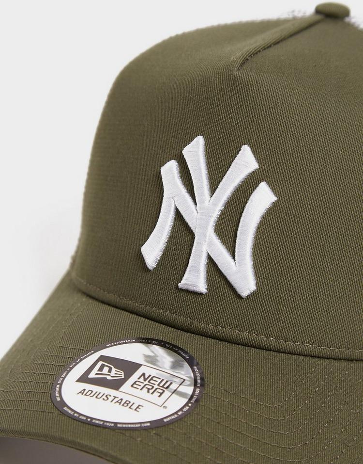 New Era MLB 9FORTY New York Yankees Trucker Cap