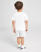 adidas Originals conjunto camiseta/pantalón corto Tape para bebé