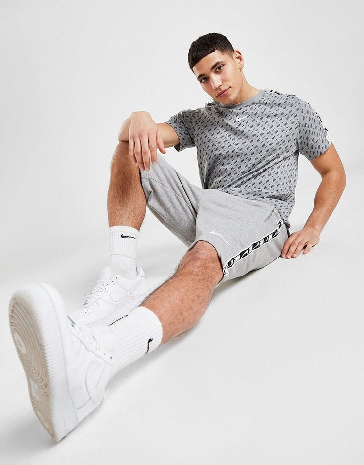 Nike Repeat Fleece Shorts