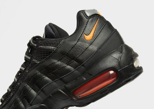 Nike Air Max 95 Essential in Nero | JD Sports