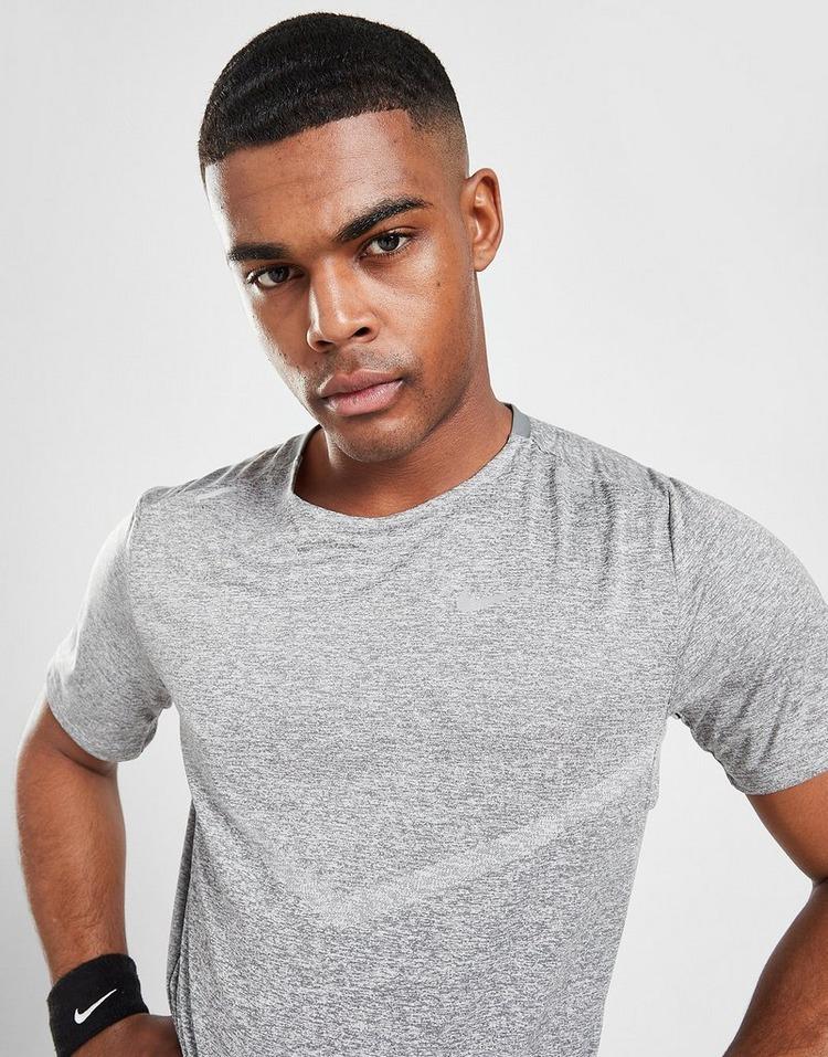Nike Rise 365 T-Shirt