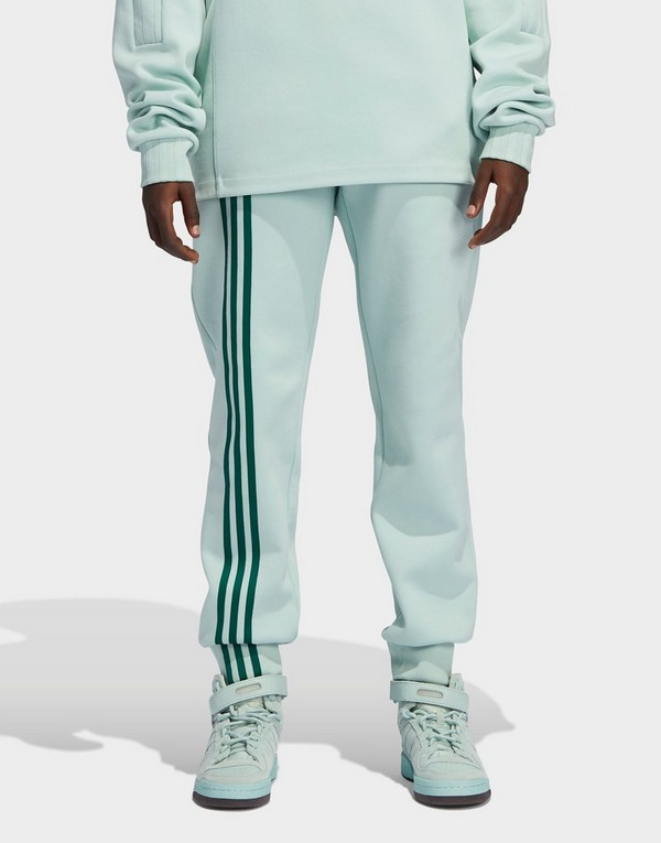 Shop den adidas x IVY PARK 3 Stripes Jogginghose Damen in Grün