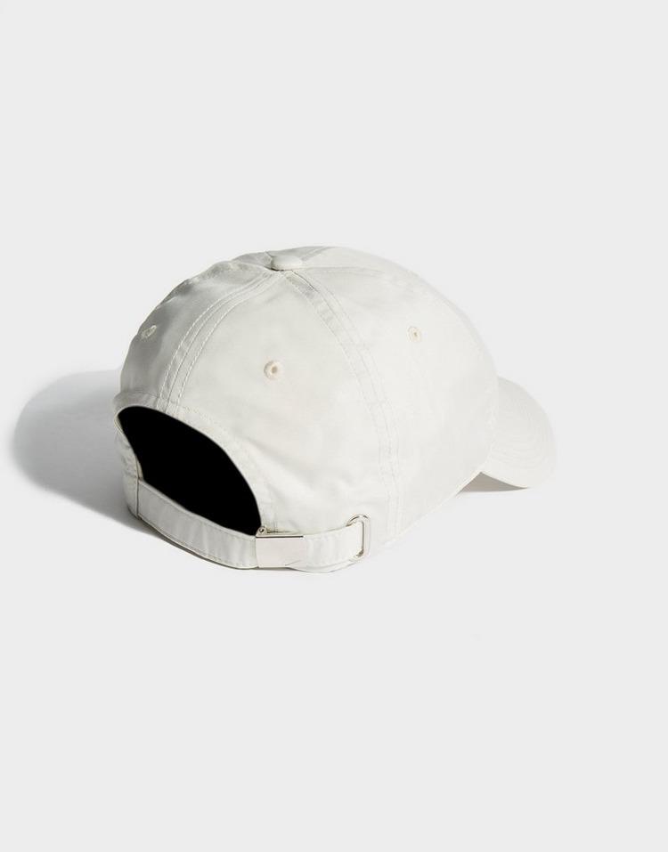 NIKE Heritage Metal Swoosh Cap