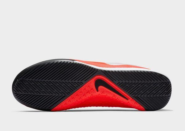 NIKE Nike Phantom Vision Academy IC Indoor/Court Football Shoe