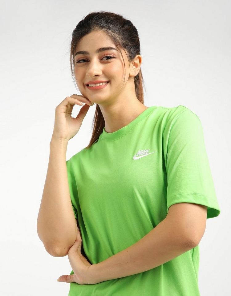 Nike เสื้อยืด Club Tee