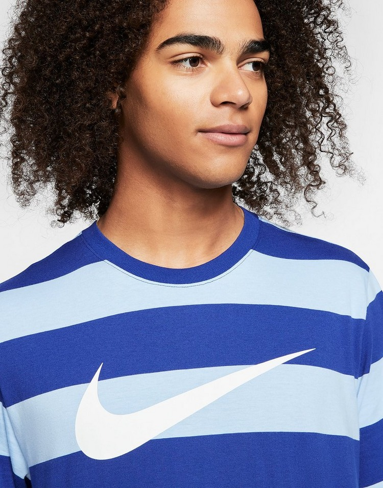 Nike Tee-shirt à rayures Nike Sportswear Swoosh pour Homme
